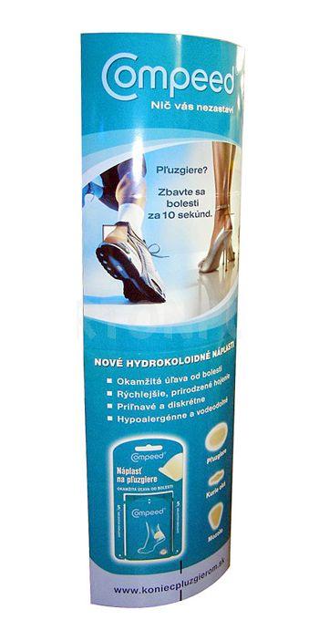 totem elliptique - publicité pour des chaussures